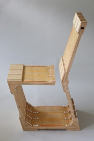 ZAP-GAP CHAIR (Plywood with plexi-glass inlay and cable ties, 98.5cm x 63.5cm x 41cm, Dirk Marwig 2015)